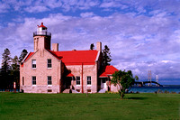 1439  Old Mackinaw Lighthouse & Bridge